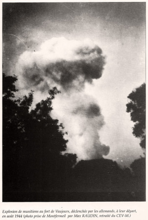 Fort2Vaujours_Explosion_1944_Web.jpg